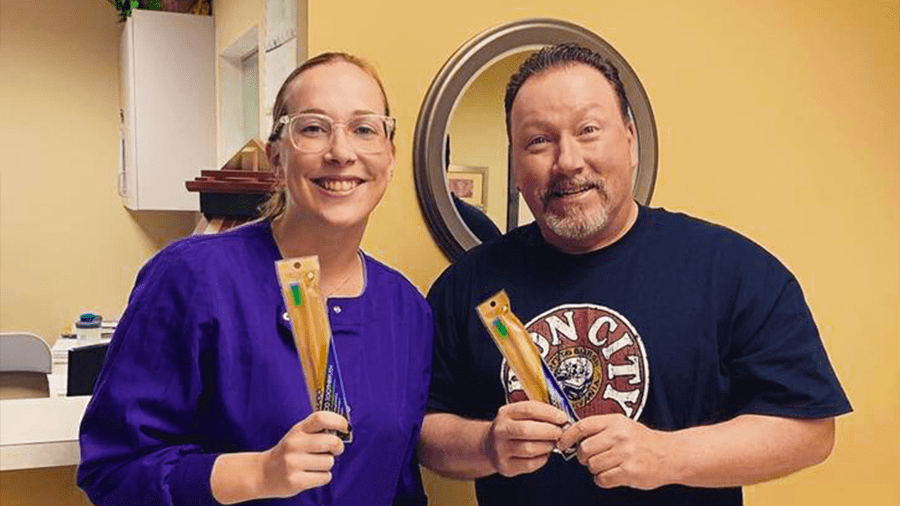 5 Reasons Dentists Should Consider Recommending Bamboo Toothbrushes to All Their Patients